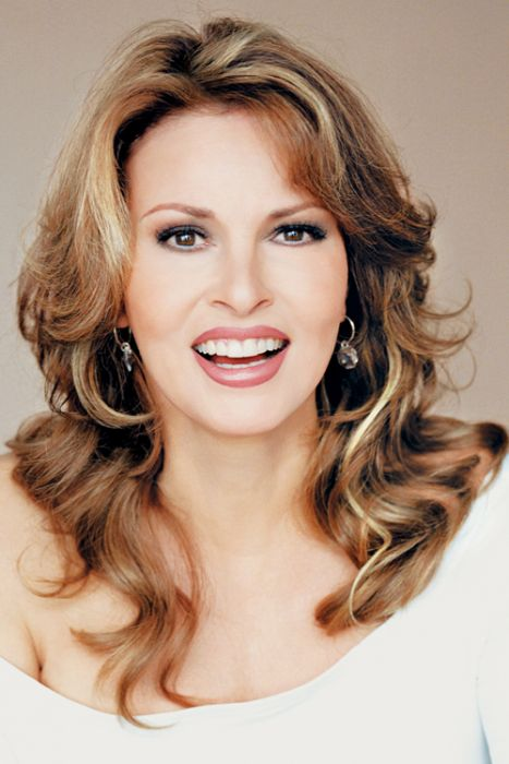 "18 Inch Hair Extensions | 18"" Human Hair Clip In Extensions by Raquel Welch"