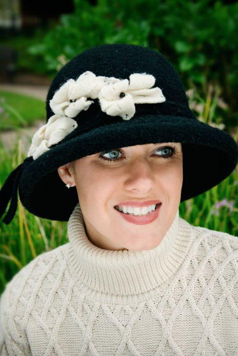 Wool Esther Flower Hat