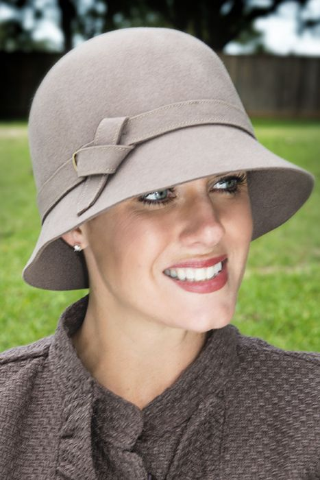 Twist Knot Buckle Cloche Hat