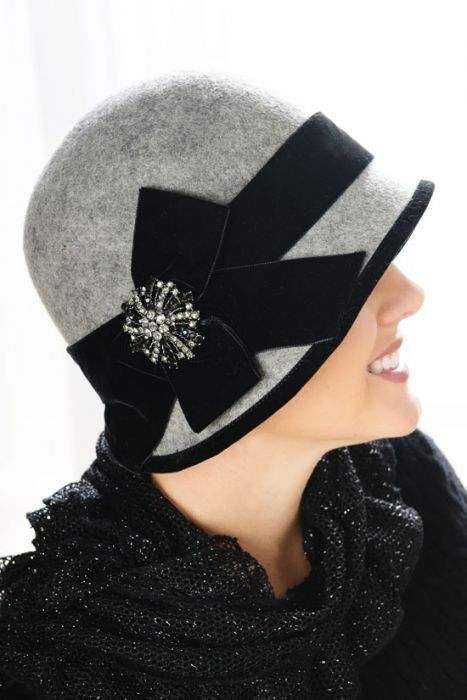 Victoria Vintage Cloche Hat with Pin