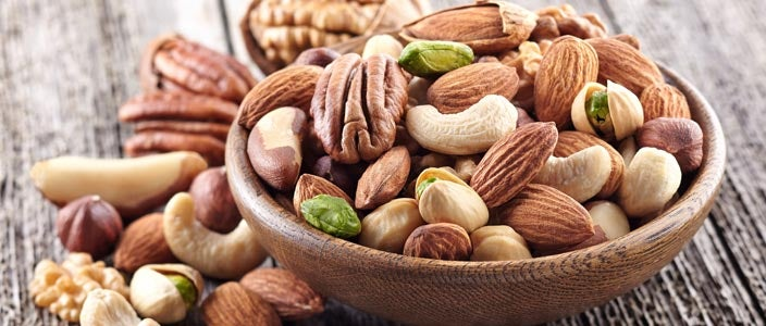 Foods to eat on a Plant Based Diet: Seeds and nuts
