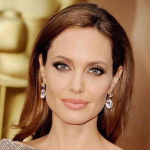 Angelina-Jolie-breast-cancer