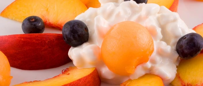 Foods to Eat During Chemo: Fruit and Cottage Cheese