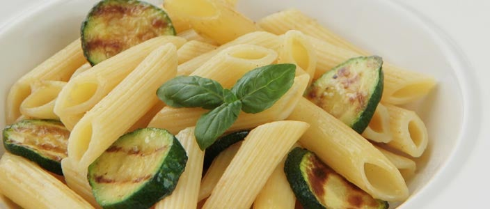 Foods to Eat During Chemo: Pasta with Cream Sauce and Veggies