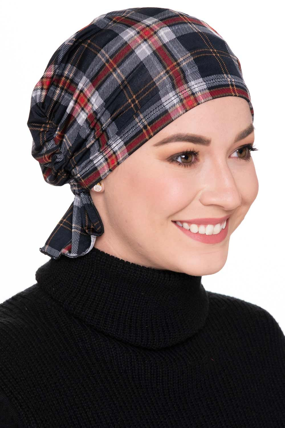Gathered scarf beanie in plaid trend