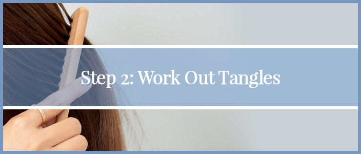 How to Wash a Synthetic Wig Step 2: Work out tangles