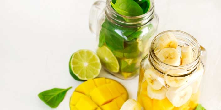 simple summer green smoothie for cancer patients